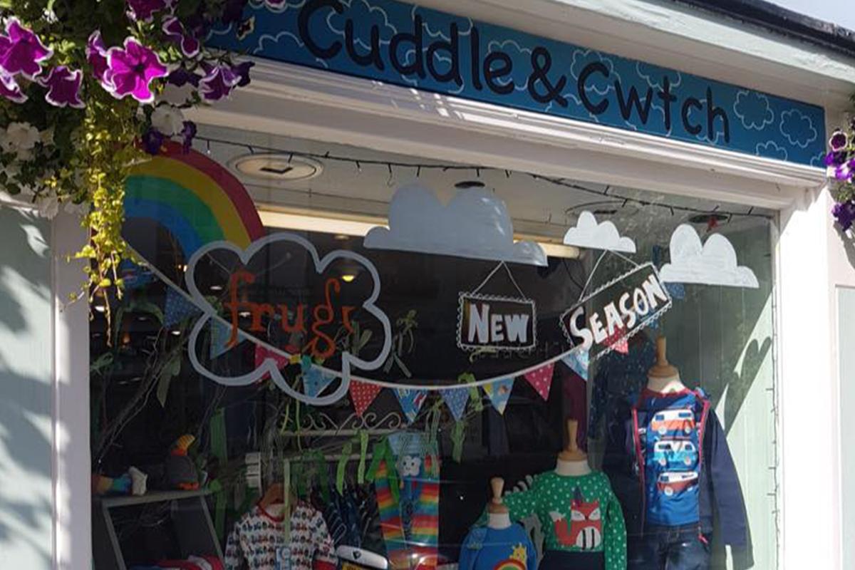 Cuddle & Cwtch